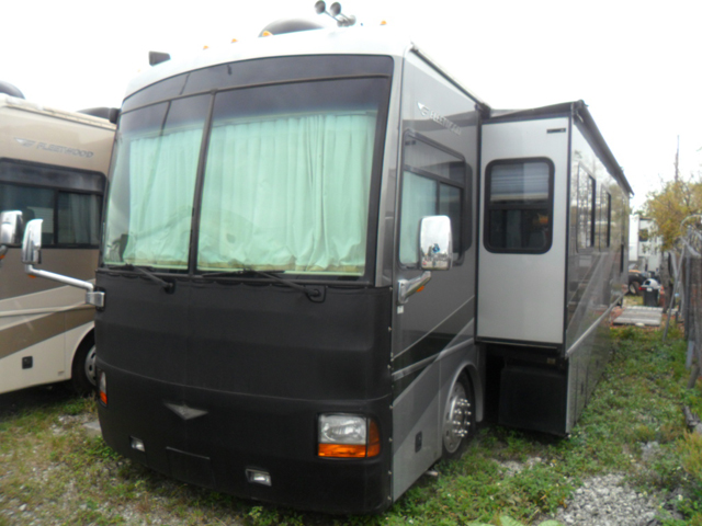 2006 Fleetwood RV Discovery 39V Motor Home Class A - Diesel